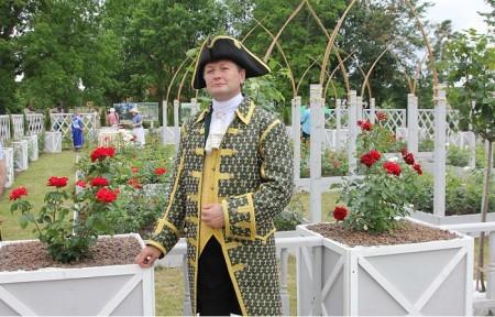 Розовый сад замка «Эне-ле-Вьейль» в усадьбе Марьино