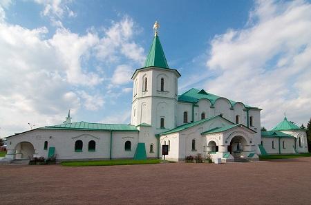 Ратная палата занесена в Белую книгу Всемирного клуба петербуржцев